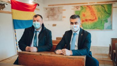 Photo of Ambasadorul Israelului în România, coleg de bancă cu Ciprian Ștefan, directorul Muzeului ASTRA