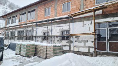 Photo of A doua școală SMART din România, deschisă în județul Sibiu, la Valchid: lumini reglate automat în clase, avertizare pentru aerisire și temperatura controlată prin telefon