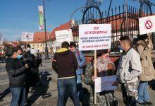 """Photo of Protest în Sibiu, prin care se cere ridicarea tuturor restricțiilor: """"Este neconstituțională și neștiințifică impunerea injectării cu seruri experimentale a întregii populații!"""""""