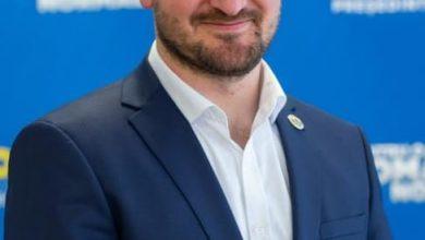 """Photo of Adrian Bibu, administratorul județului Sibiu, a fost externat după 11 zile de tratament pentru COVID: """"Vă rog să aveți încredere în medicii noștri!"""""""