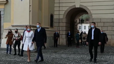 "Photo of VIDEO  Klaus Iohannis, la slujba de Paști de la Biserica Romano-Catolică din Sibiu: ""La mulți ani!"""