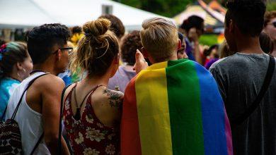 """Photo of Mărturia unui tânăr din comunitatea LGBT: """"În liceu, aveam colegi care făceau glume pe seama mea si a orientării mele sexuale"""""""