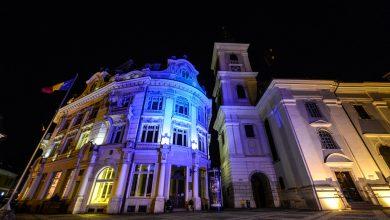 Photo of Primăria din Piața Mare, iluminată în albastru