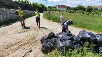 Photo of Localnicii din Cisnădioara și-au făcut curățenie în jurul casei