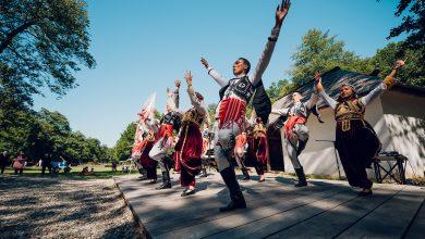 """Photo of A început """"ASTRA Multicultural""""! Muzica, dansul, gastronomia și târgul meșteșugarilor fac casă bună în Muzeul Satului"""