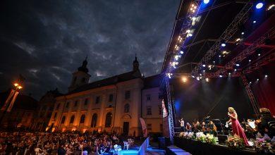 """Photo of Seară pe muzica Orchestrei Filarmonicii Sibiu, la """"Zilele Româno-Americane"""" din Piața Mare"""