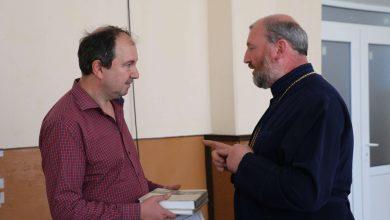 "Photo of ""Prietenii Bibliotecii ASTRA"" au donat peste 600 de volume unei biblioteci din Republica Moldova"