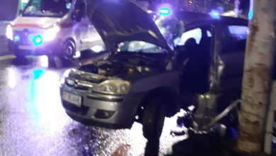 Photo of Un șofer a intrat cu mașina într-un stâlp, pe Șoseaua Alba Iulia