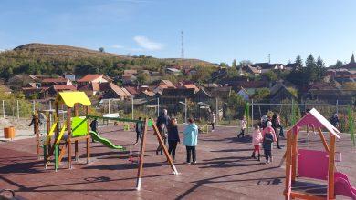 Photo of Copiii din Ocna Sibiului au un loc de joacă nou-nouț